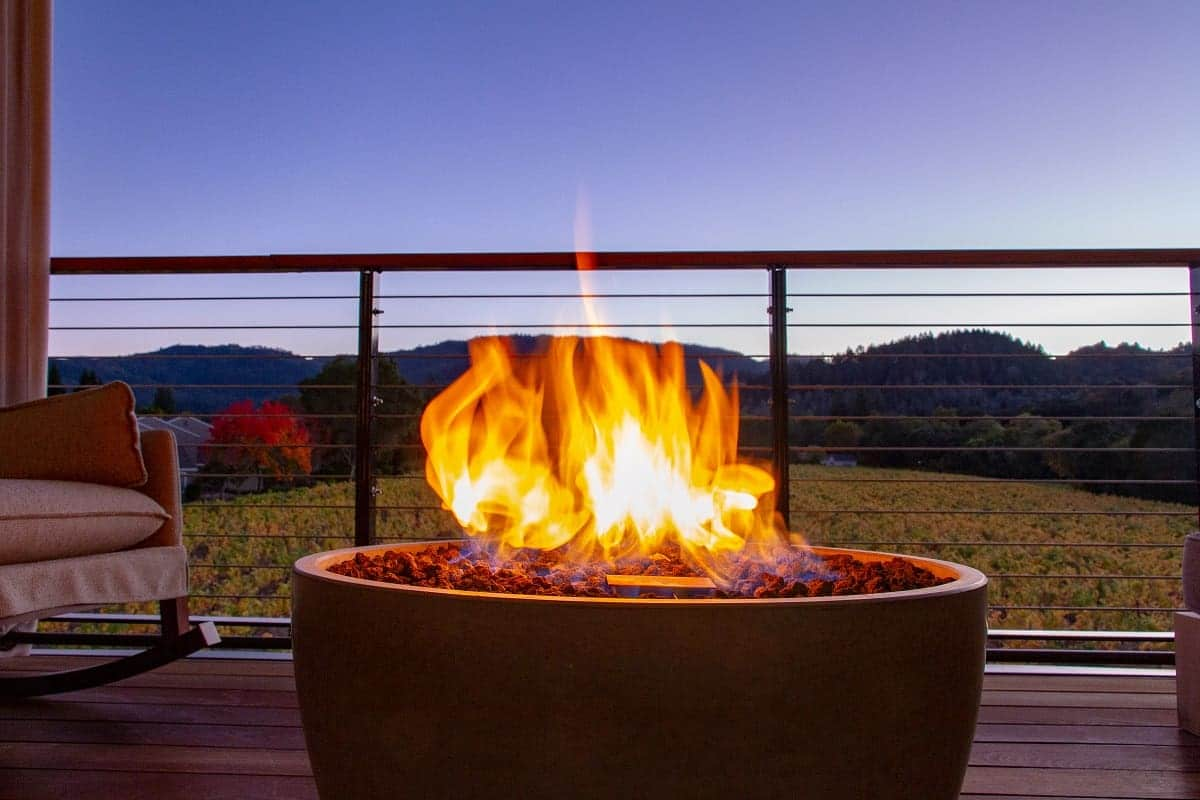 Best Smokeless Fire Pits - everymanscave.com