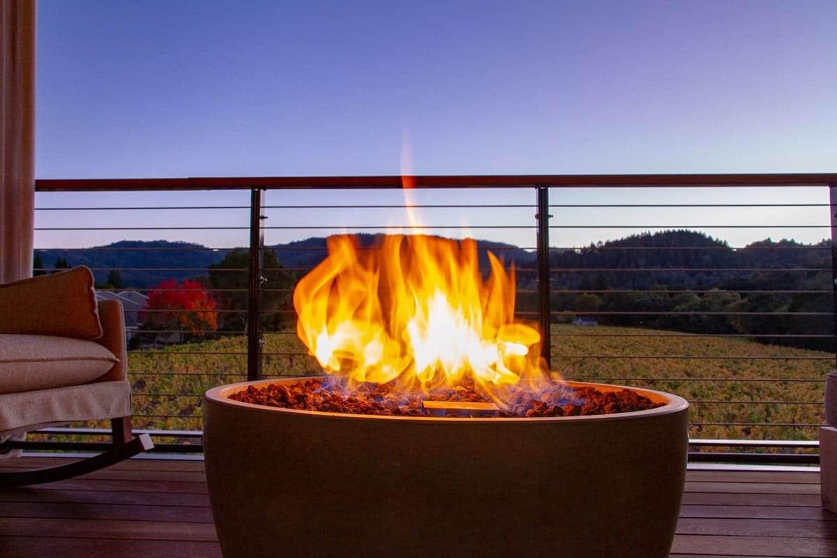 Best Smokeless Fire Pits - everymanscave.com