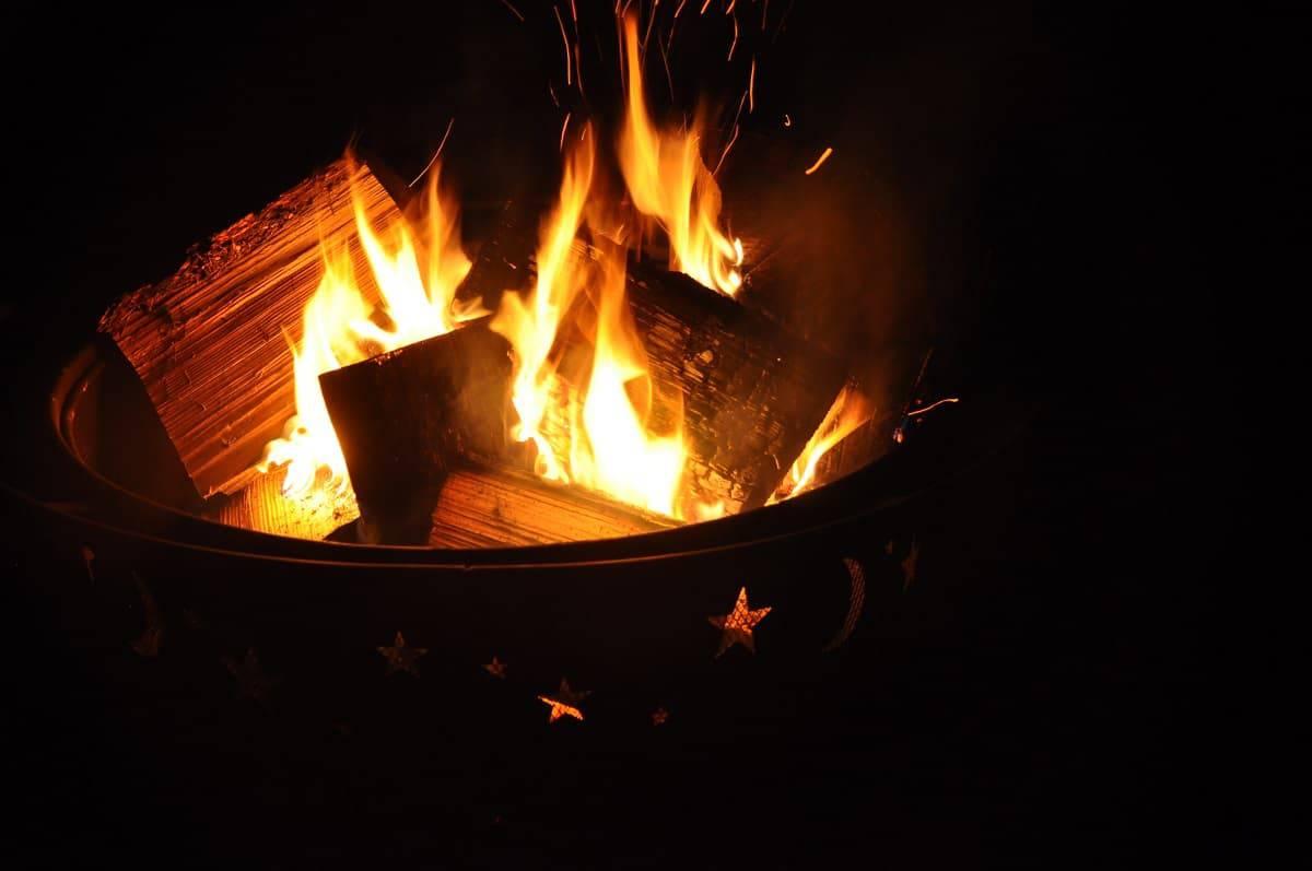 Flame Genie Pellet Fire Pit Review - everymanscave.com